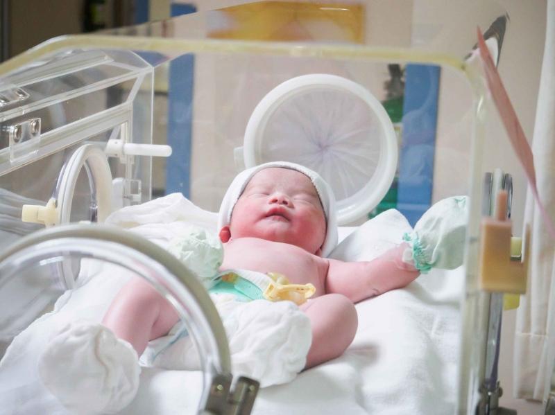 得了新生儿泪囊炎怎么办新生儿泪囊炎该怎么治疗